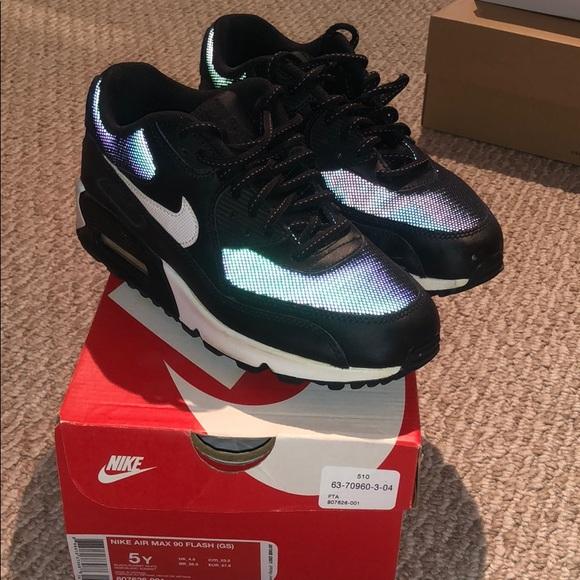 buy online d8ff9 38a19 Nike Air Max 90 Flash. M 5c79a7bf45c8b3dc901e3bbf